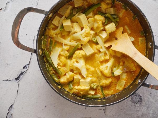Cauliflower Green Bean and Tofu Yellow Curry